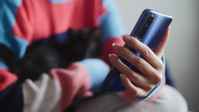 Realme'den 144 Hz ekranlı yeni bir telefon!