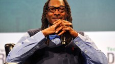 media para stoners Snoop Dogg