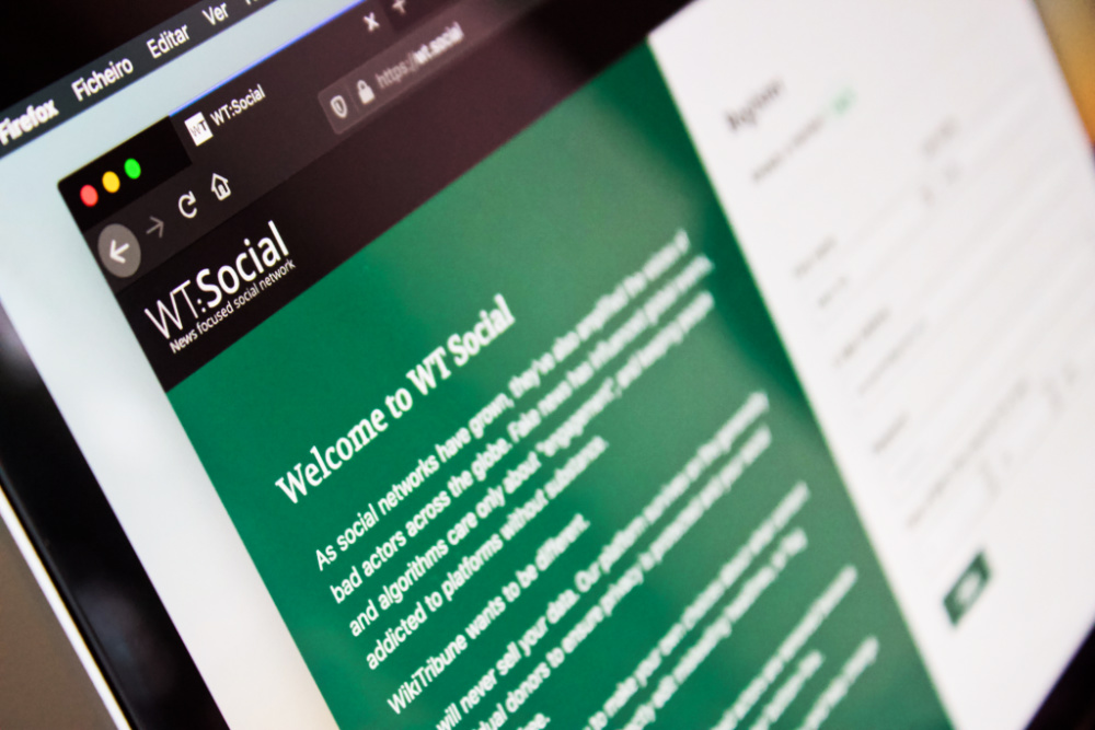 WT: Social do fundador da Wikipédia
