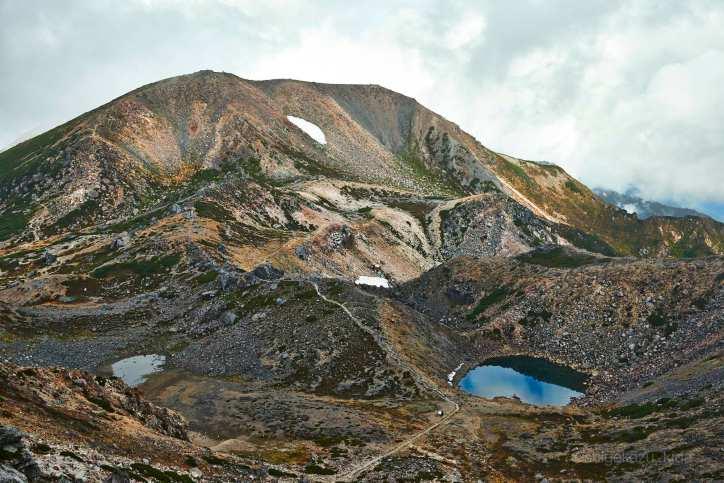 白山の大汝峰と紺屋ヶ池