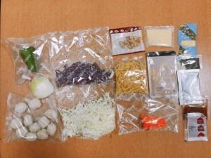 チーズがとろん!おばけグラタンと2色キャベツで華やかコールスロー材料