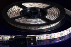 こちらはUSB仕様の白色LEDテープ。 もちろんモバイルバッテリーで点灯可能です。