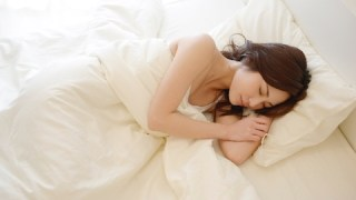 快眠するための3つのツボとは?「羊」を数えても眠れませんから!