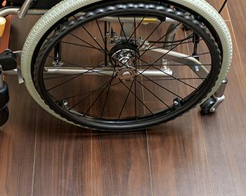 長野市フローリング張替え車椅子対応・ペット対応フローリングなど環境で選ぶ必要性