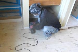 松本市戸建て住宅無垢フローリング床研磨サンディング再生