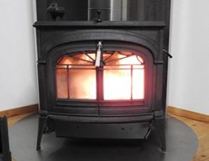 暖房を使っての床のダメージ、焦げ跡を補修する業者