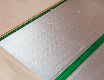 長野市床暖房パネルの埋め込みについて