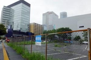 横浜アリーナ裏手(大豆戸町側)にある資源循環局が管理する空地に2面のコートを含んだウォームアップ(待機)エリアを作る計画