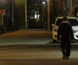 夜間の帰宅時は明るく人通りの多い道を歩くなど警戒を(写真はイメージ、大豆戸町内で撮影)