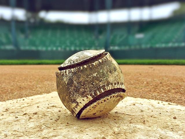 汚れた野球ボール