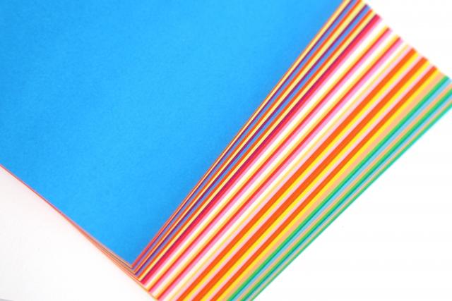 色とりどりの折り紙