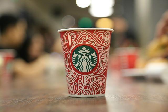 スタバのクリスマスのカップ