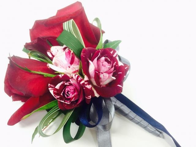 赤い花の花束