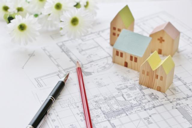 家の設計図と模型