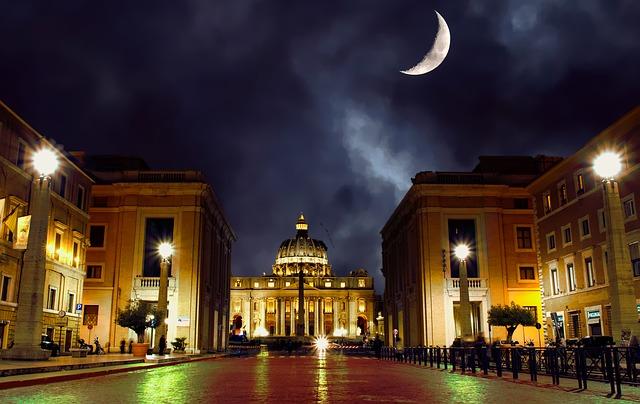 イタリアのローマの夜景
