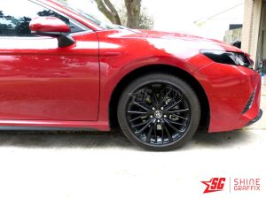 2020 toyota camry Black wheels decals Front