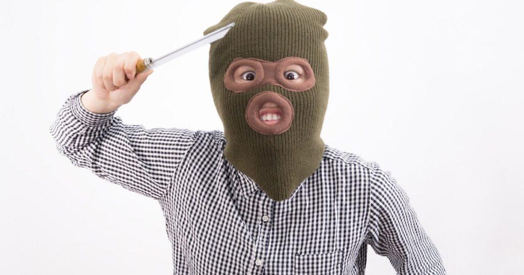 ナンバープレート盗難・・・ってマジか。じゃあ、どうすりゃいいの?。