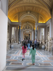 maria-and-lisa-in-vatican-museum