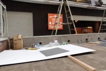 青山フラワーマーケット 新宿ビックロ店