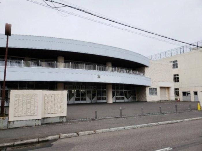 上野幌西小学校