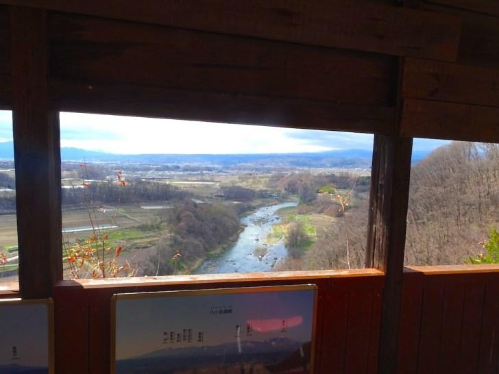 宮沢の金比羅神社神楽殿からの千曲川の眺め