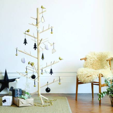 noth-contemporary-wooden-branch-christmas-tree