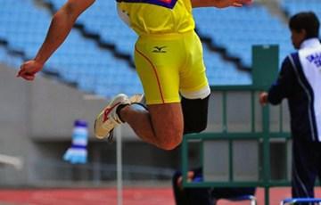 山本篤選手 画像