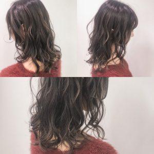 アディクシーカラー「グレーパール」と「パープルガーネット」を使用したヘアスタイル