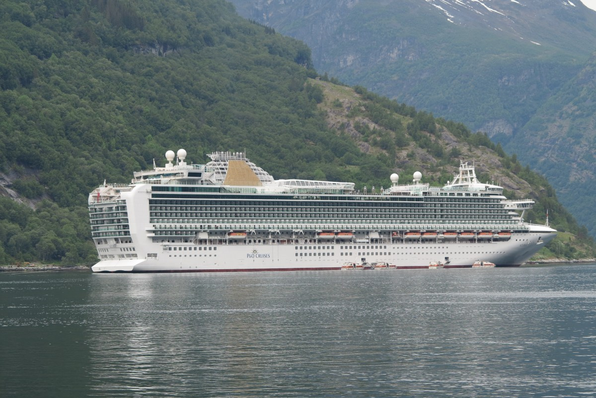 Amazing sights of Norway and back in a week - P&O Cruises makes it easy and afjordable