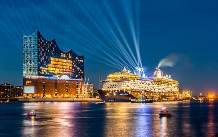 CROP Christening of Mein Schiff cruise liner in front of Elbhilharmonie Getty