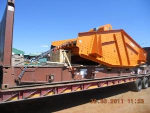 mining screen on a flatrack container2 - Cargo types and packing method in containers