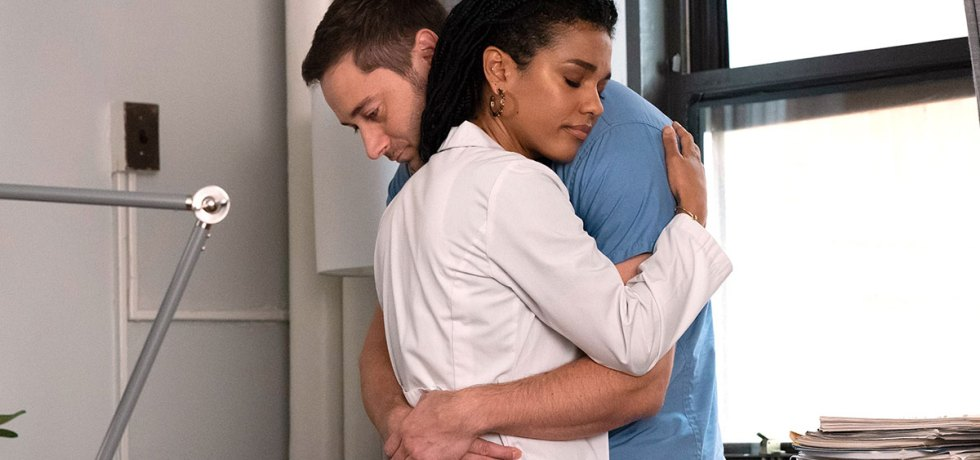 Max and Helen hug in New Amsterdam