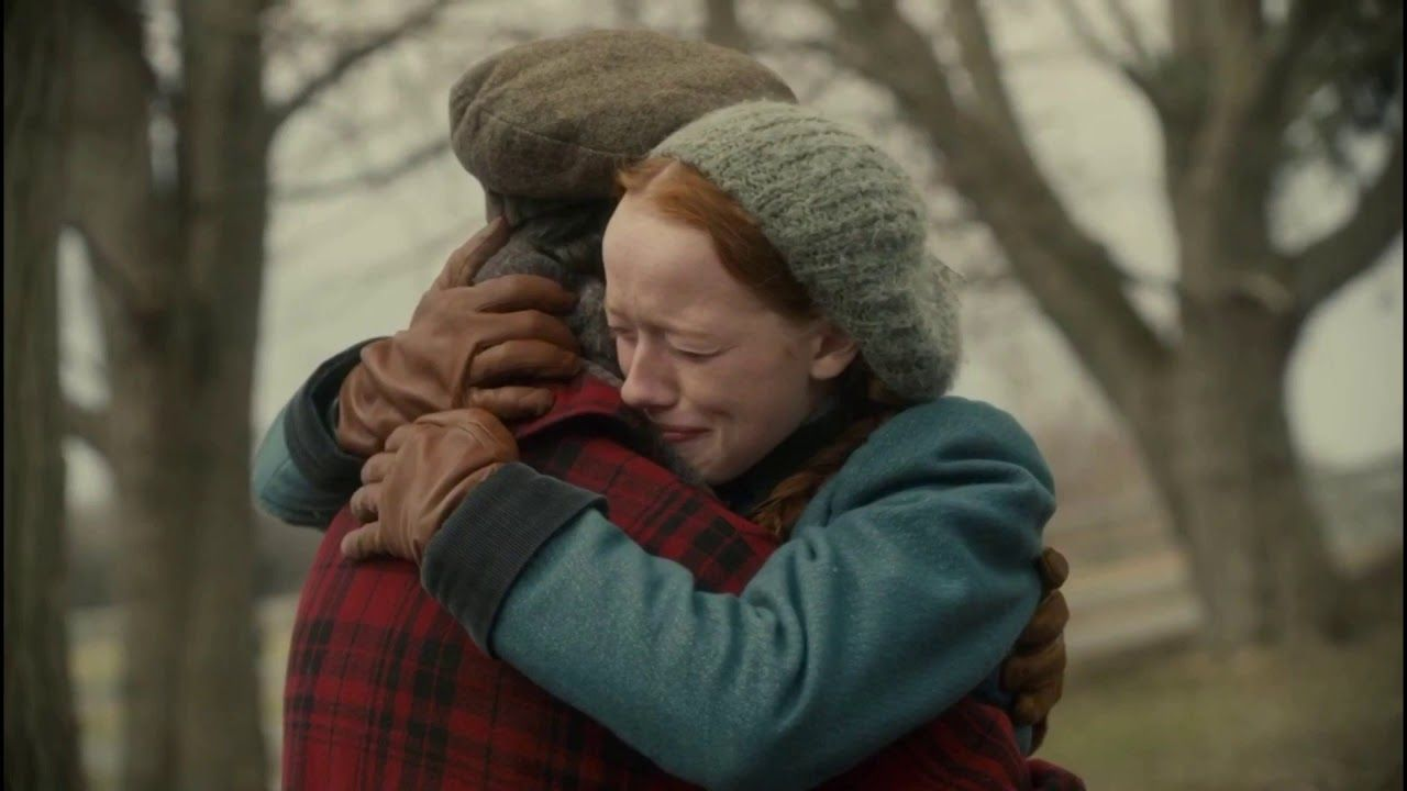 Anne and Gilbert hug in Anne with an E