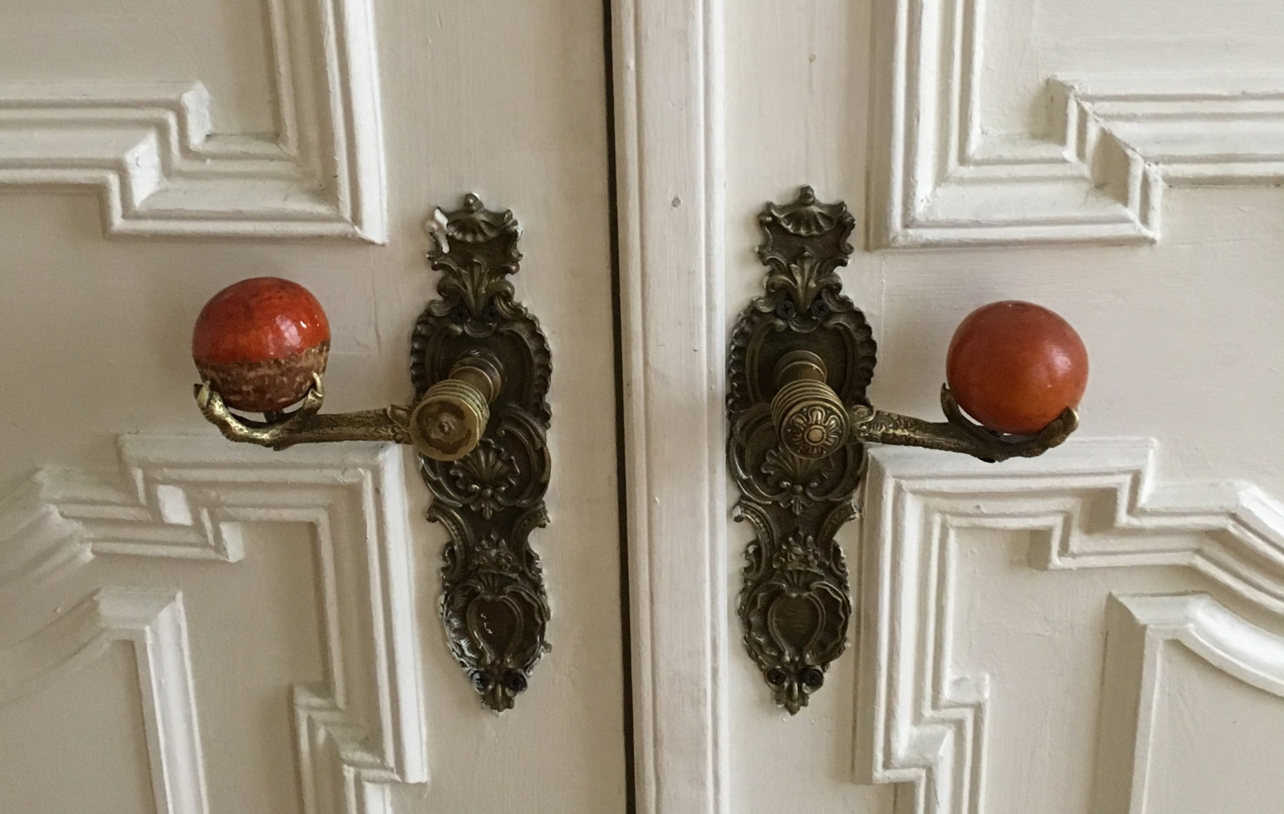 Eagle paw door handles