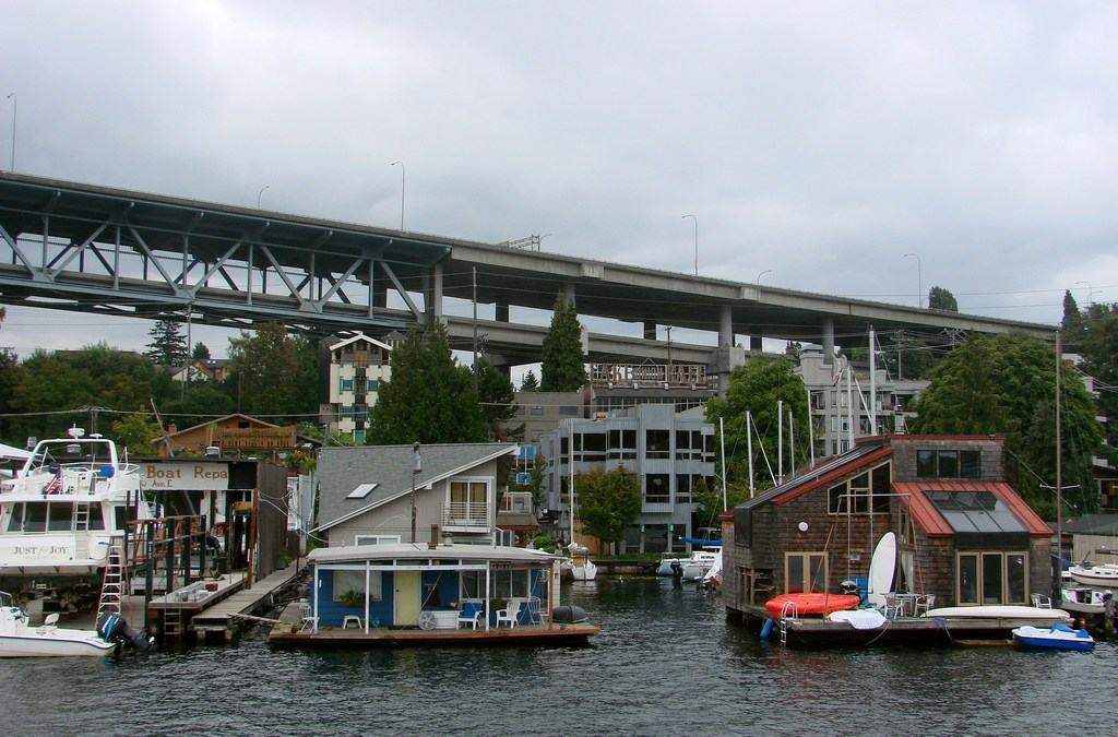 Houseboats – Live It Up On The Water!