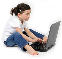 littlegirl-laptopcomputer[1]