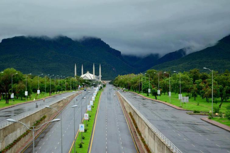 beautiful_blue-area_clouds_daman-e-koh_faisal-masjid_islamabad_monal_monoment_mosque_pakistan_peer-sohawa_rain_shakar-paryan1