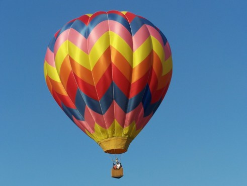 Free pin: hot air balloon