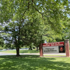 Warwick High School, signs and logo