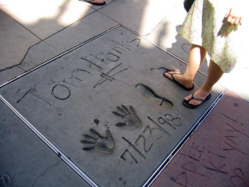 好莱坞星光大道 (哗!!Tom Hanks的脚好大个!!)