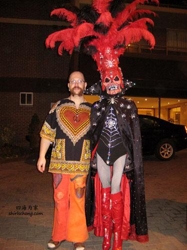 一对恩爱夫妻?!(Halloween Street Party, Toronto)