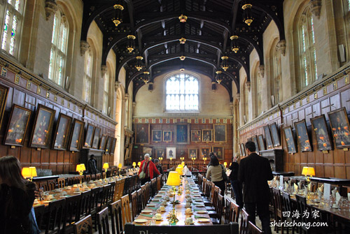 牛津大学基督教会学院的大堂楼 The Hall of the Christ Church College, Oxford University