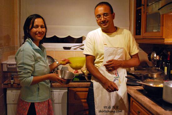 在伦敦旅游时,我在尼泊尔朋友家寄住。每晚尽量早点回家,和他们一起煮饭吃饭!