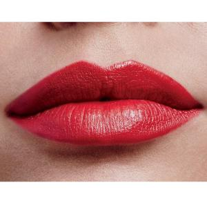 How to Get a Classic Red Lip