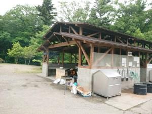 水の森公園キャンプ場の炊事棟
