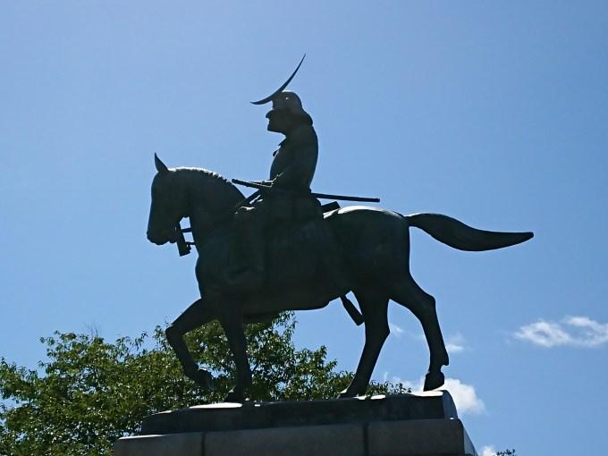 伊達政宗さまの騎馬像