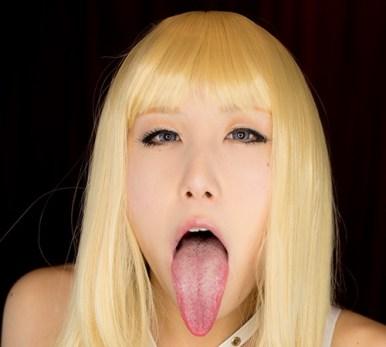 Saylaの舌出し (5)