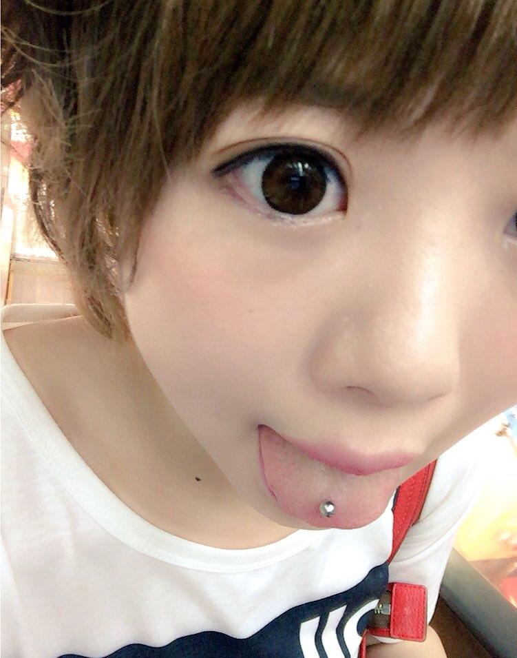 杏ちゃむの舌出し (6)