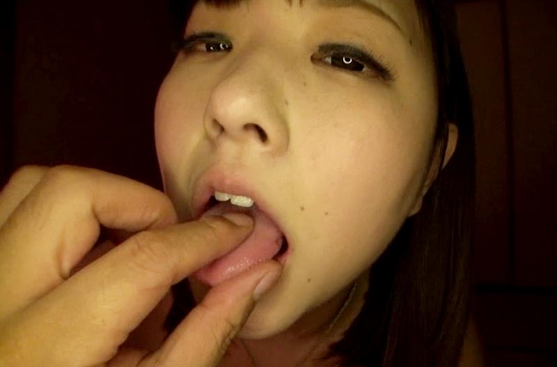すなお恵の舌奉仕 (4)