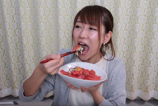 稲垣早希の食事舌まとめ (12)